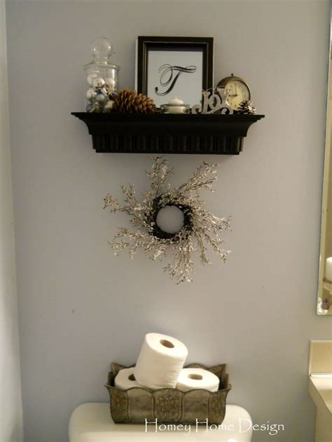 Half Bathroom Wall Decor Ideas by Best 25 Half Bath Decor Ideas On Half