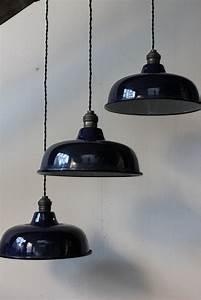 Lampe Murale Industrielle : lampe industrielle bleu ~ Teatrodelosmanantiales.com Idées de Décoration