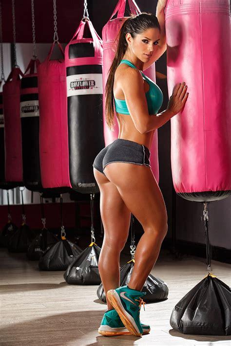 Dress Like Fitness Hottie Michelle Lewin Barbell Academy