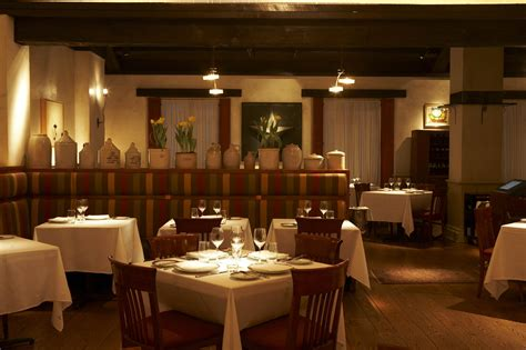 A Hospitality Tale Of Two Crowded Restaurants Osteria