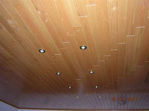 lambris plafond cuisine castorama lambris faux plafond en bois attraper les yeux
