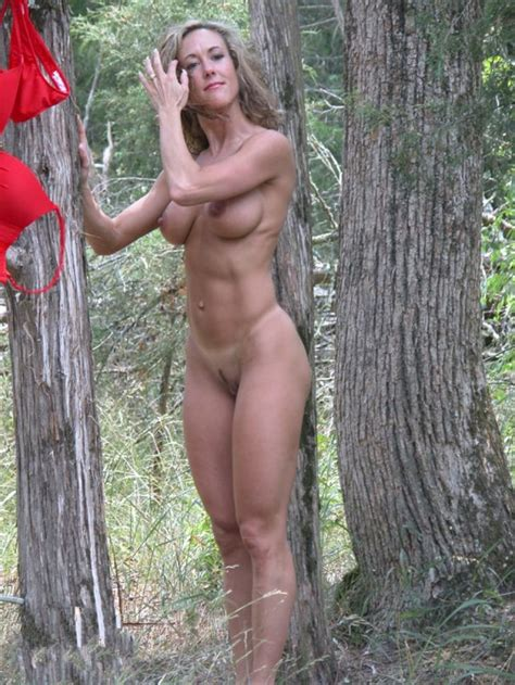 Sexy Fit Milf Milf Adult Pictures Luscious Hentai And Erotica