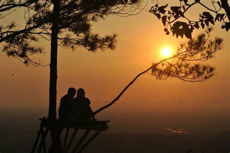 puncak becici dlingo romantisme senja dibalik lebatnya pinus