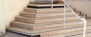Antidérapant Pour Des Escaliers Extérieurs : nez de marches d escalier pas cher ~ Melissatoandfro.com Idées de Décoration