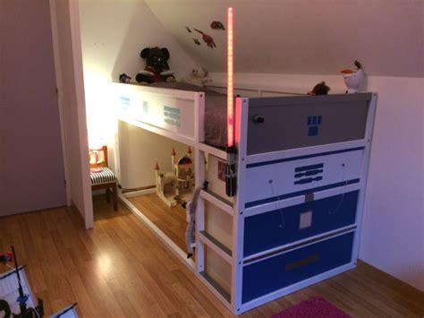petit meuble bas cuisine un lit enfant kura transformé en château fort