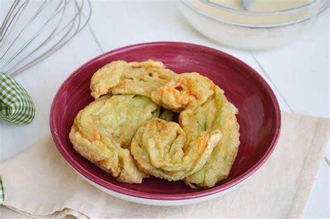 ricette fiori di zucca fritti fiori di zucca fritti ricetta fiori di zucca fritti di