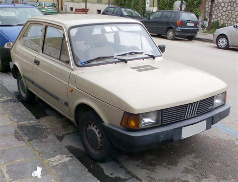 File:Fiat 127 third generation front.jpg - Wikimedia Commons