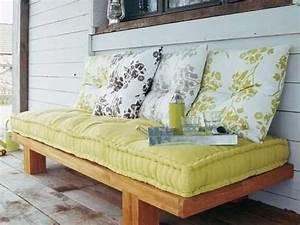 matelas canape convertible prix ooreka With canapé convertible couchage quotidien avec tapis exterieur terrasse