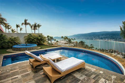 define cuisine hotel las brisas acapulco con la mejor vista a la bahía
