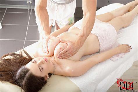 marina visconti enjoying hot sex with handsome masseur