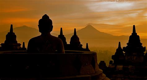 travelling air borobudur temple  cheap