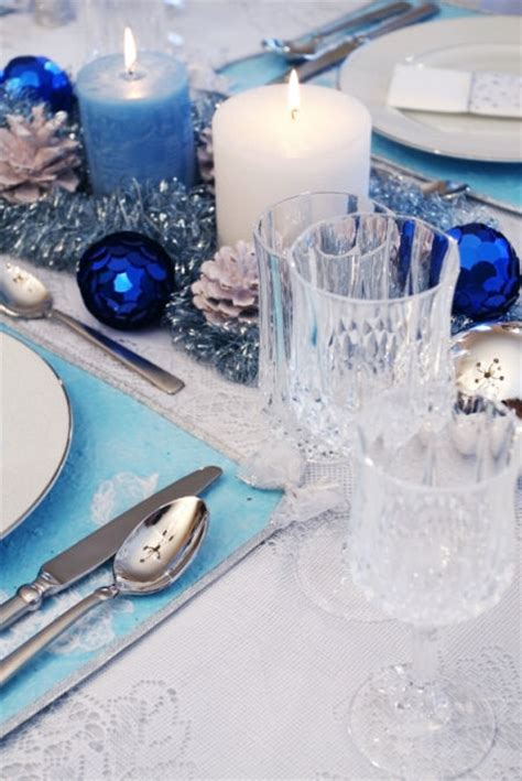 blue and white christmas table decorations christmas table gallery 16