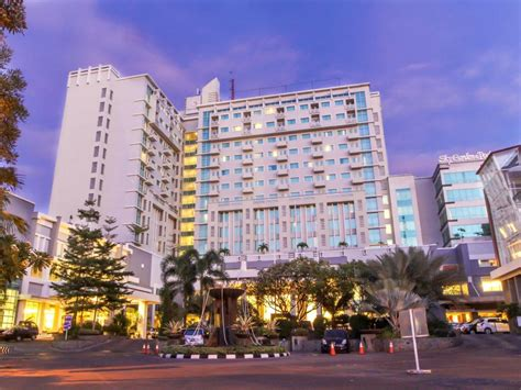 Best Price On Grand Clarion Hotel And Convention In