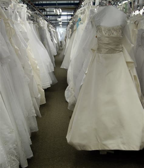 diy wedding dress cleaning and preservation wedding gown preservation kits learn more about wedding