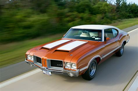 Oldsmobile : This 1971 Oldsmobile 4-4-2 W-30 Hides A Secret Underhood