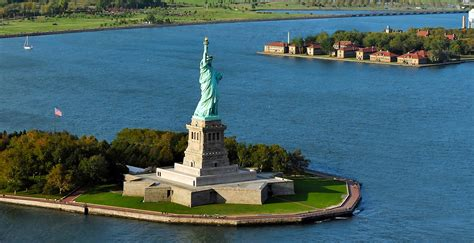 Bus Trip To Ellis Island And Liberty Island