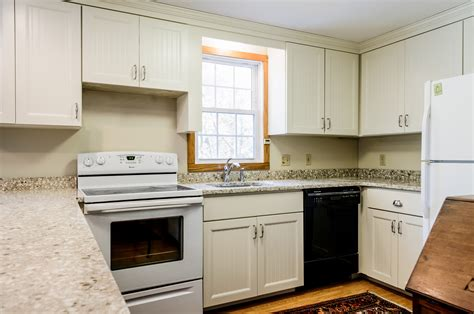 cape cod style kitchen cabinets barnstable cape cod cabinet refacing hyannis orleans 8059