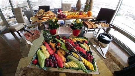 It's available on the iphone and android. #fruityfridays Catering for your office done RIGHT!! DM us for details @corporatehandyman 631 ...