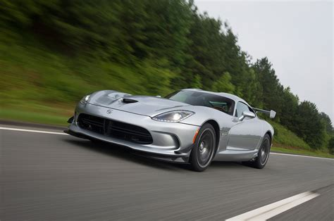 Dodge Viper Reviews: Research New & Used Models