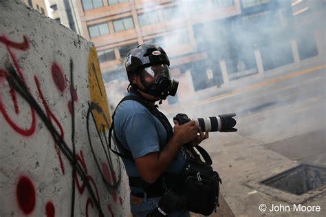 photojournalism  tank photo