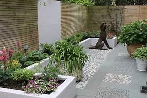 Entrance, Courtyard
