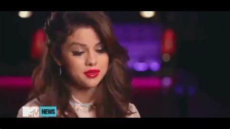 Selena Gomez - Funny Moments (Part 2) - YouTube