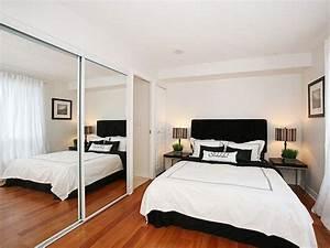 Kleine Räume Optisch Vergrößern : kleines schlafzimmer praktische einrichtungsideen raumeffekte ~ Buech-reservation.com Haus und Dekorationen