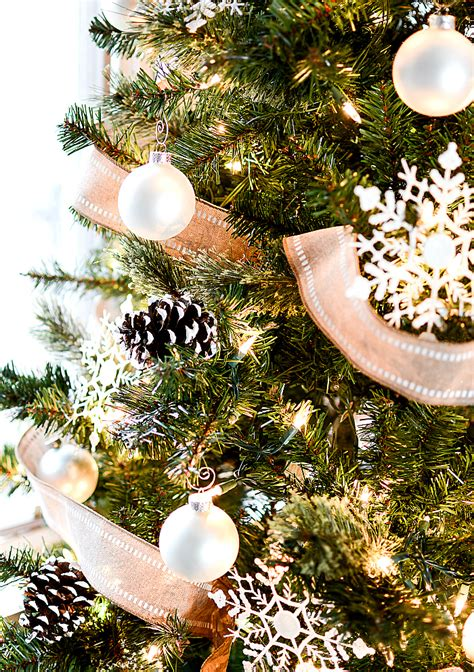 christmas tree  burlap ribbon pine cones