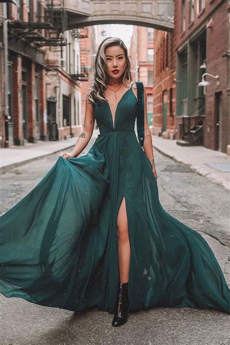 Pin by Faviana on F A S H I O N in 2021 | Pretty prom ...