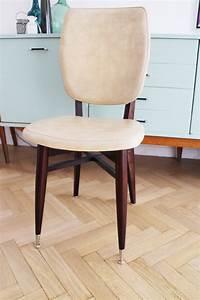 Chaise Scandinave Beige : chaise vintage scandinave pas ch re de couleur beige luckyfind ~ Teatrodelosmanantiales.com Idées de Décoration