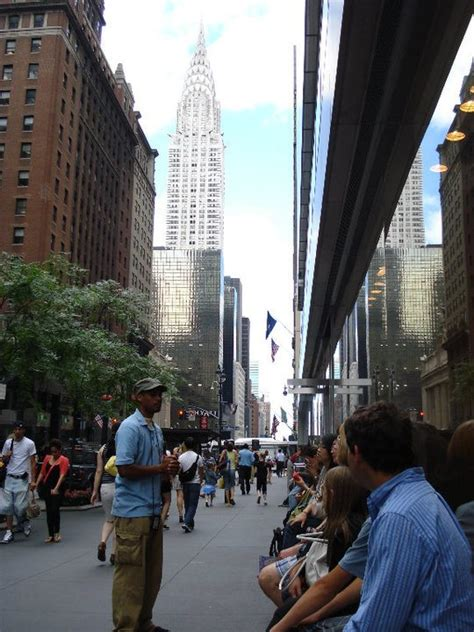 chrysler building free tours by foot