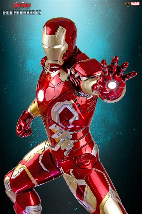 cinemaquette iron man mark   maquette gs collectibles