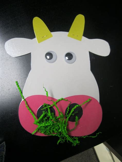 25 best ideas about cow craft on preschool 881 | 1cd6534ef88f96fe6dc9c1205a27ef9f
