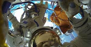 Russian cosmonauts break record for the LONGEST space walk ...