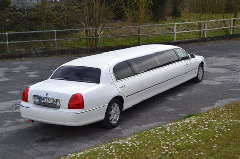 Stretch Limousine Car by Lincoln Town Car Stretchlimousine Exclusive Cars