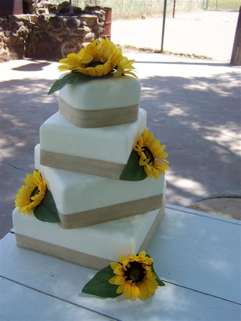 Cake A Licious Sunflower And Burlap Wedding Cake