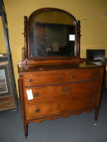 antique bedroom furniture dresser with mirror mahogany