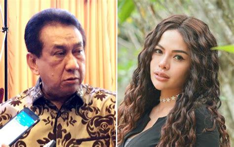 Dikenal Ratu Nyinyir Aktor Senior Anwar Fuadi Tegur Cara