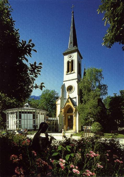 Kleines Kurhaus Bad Tölz by Stadtkirche