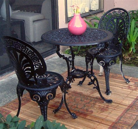 table et chaise bistrot black wrought iron dining table black wrought iron 54