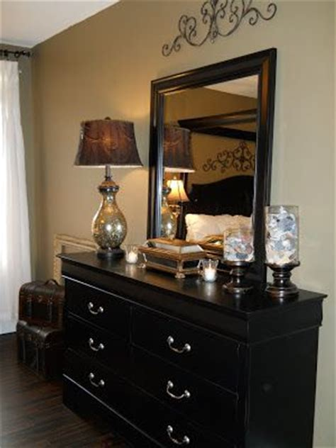 Decorating Ideas For A Bedroom Dresser by 1000 Ideas About Bedroom Dresser Decorating On