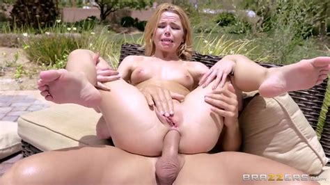 Perfect Outdoor Anal Sex Action With A Lusty Brazzers Teen