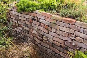 Trockenmauer Bauen Ohne Fundament : steinhaufen oder trockenmauer anlegen nabu ~ Lizthompson.info Haus und Dekorationen