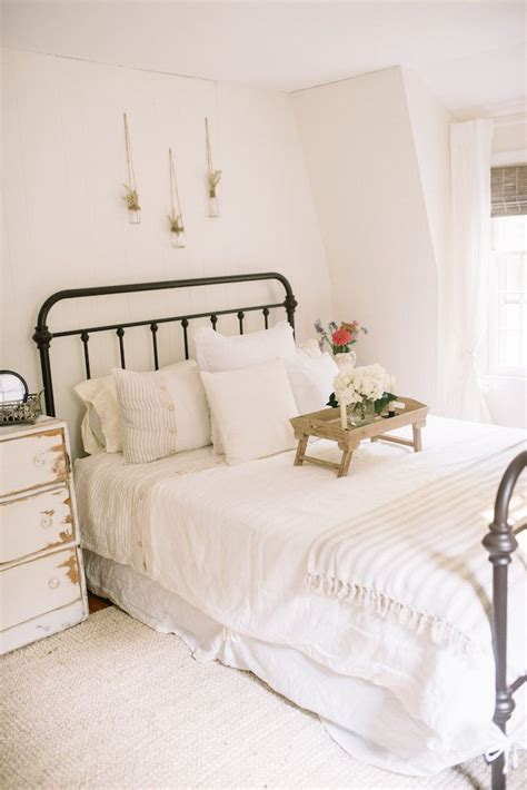 Farmhouse Guest Bedroom Makeover  Jute, Neutral And Bright