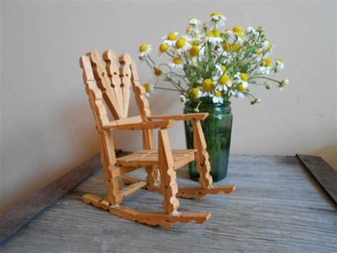 chaise en epingle a linge en bois 1001 idées diy pour donner une nouvelle vie à la pince à