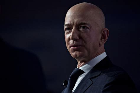 Bezos Taunts Retailers With a $16 Wage Challenge: 'Do It!'