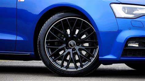 Gray And Black Mercedes Benz 10 Spoke Wheel · Free Stock Photo