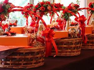 CANDLE Homemade Gift Baskets