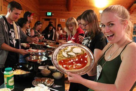 colonie de vacances cuisine une colonie de vacances pour adultes fans de pizza