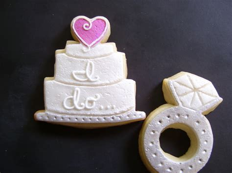 engagement ring and wedding cake cookies
